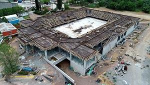 Darıca'nın dev spor salonunun tribün betonu döküldü