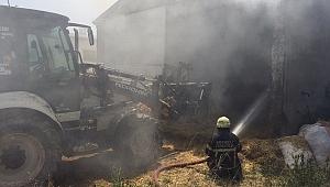 Taş motorundan çıkan kıvılcımlar 25 ton samanı küle çevirdi