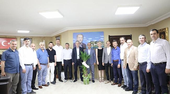 Ünlü ekibiyle Ellibeş'i ziyaret etti!