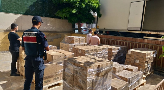 200 BİN TL'lik kozmetik ürünü çalanlar yakalandı!