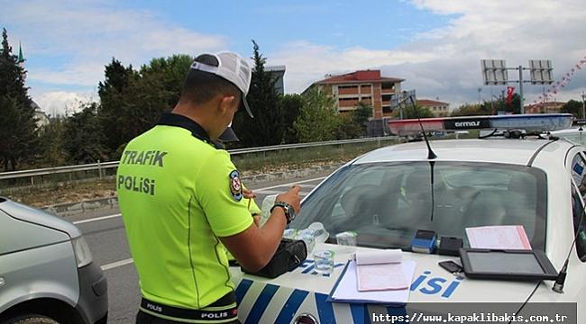Bakın kaç kişiye ceza kesildi… Araçlarda sigara içenlere Kocaeli'de ceza yağdı!