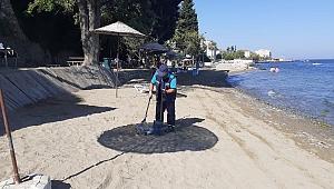 Karamürsel plajları her gün bakımdan geçiyor