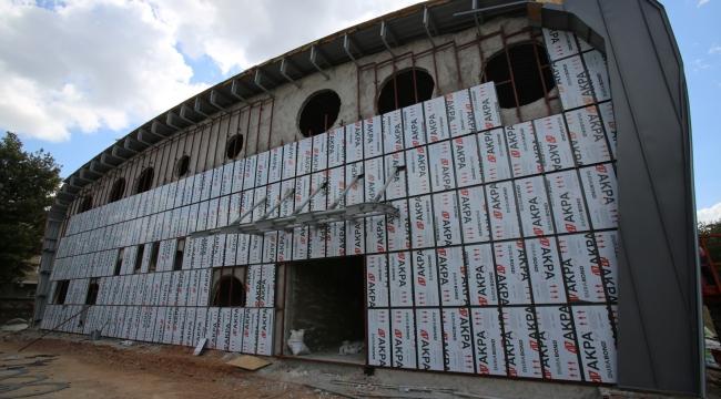 Orhangazi Spor Salonu'nun iç kısım çalışmaları başladı
