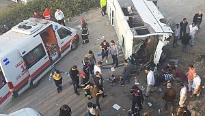 İşçi servisi 7 metre yükselikten düştü, 8 yaralı!