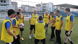 Yeşil sahaların en özel maçında kazanan dostluk oldu