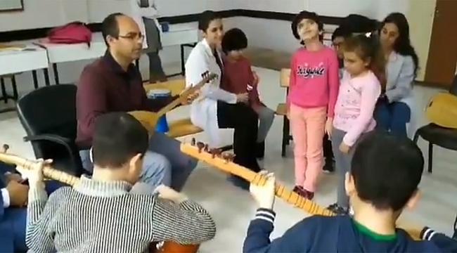 Darıcalı öğrenciler, TRT'ye konuk!