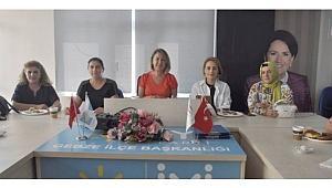 İYİ Partili kadınlar Akşener'e gidiyor