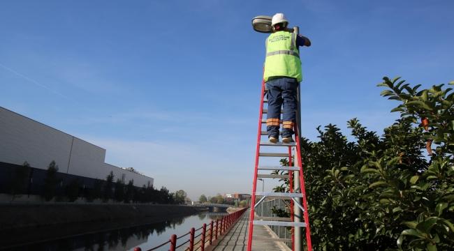 Kanal Boyun'daki aydınlatma direkleri yenilendi