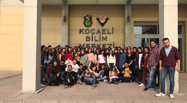 KOÜ'lü öğrenciler 'Gez Gör'le İzmit'i gezdi