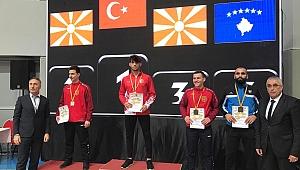 Darıcalı Milli karateciden 3 madalya birden