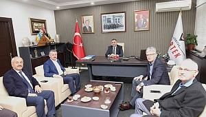 AK Partili kurmaylar Okur'a konuk oldu