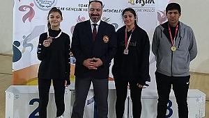 Çayırova  Lise'li karatecileri Türkiye Finallerinde