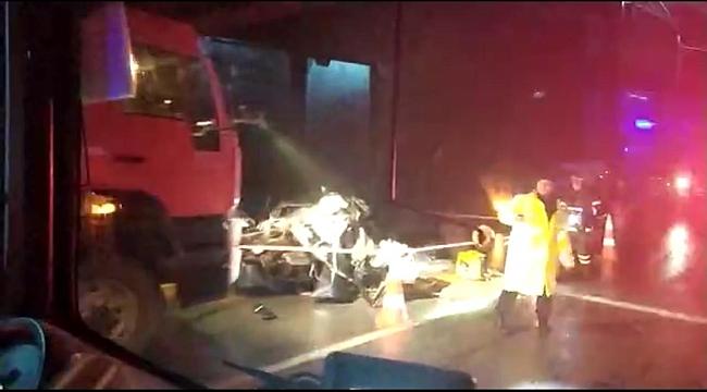 Halk otobüsüyle çarpışan otomobilin sürücüsü öldü