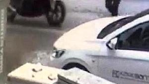 Polis motosikletinin çarptığı taksicinin öldüğü kaza kamerada