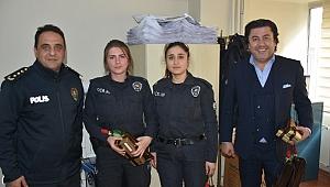 8 Martta Gebze'deki bayan polisler unutulmadı!