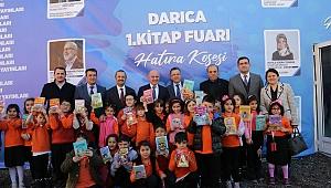 Başkan Bıyık, fuarda kitapseverlerle buluştu