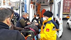 Gebze'de bariyerlere çarpan otomobilin sürücüsü ağır yaralandı
