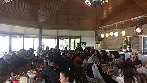 MHP Darıca kadın kollarından anlamlı program