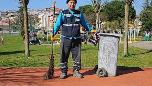 Temizlik işçisi 'Gringo Selo'nun çizimleri ilgi çekiyor