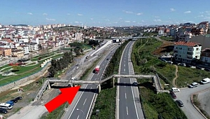 Kocaeli ile İstanbul arasında Çayırova üst geçiti kullanılarak geçiş sağlanıyor