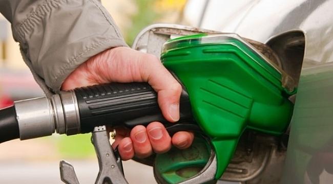Benzin ve motorine bir indirim daha geliyor