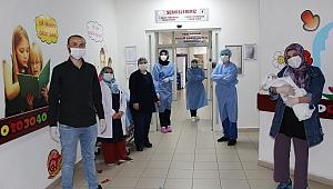 Yenidoğan Bebek koronavirüsü Yendi!