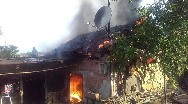 Kocaeli'de Köy değirmeni yandı