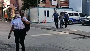 Tramvaya maskesiz bindiği için uyaran güvenlik görevlisi kadını darbetti