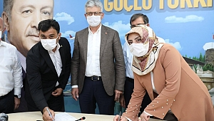 AK Parti'ye iki meclis üyesi transferi