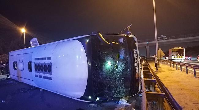 Gebze'de yolcu otobüsü devrildi: 1 ölü, 17 yaralı (2)