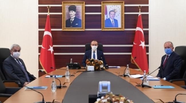 Vali Yavuz, İŞ-KUR ve SGK' dan Brifing Aldı