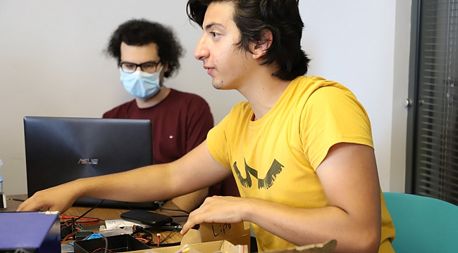 Mühendis adayları TEKNOFEST'e hazırlanıyor