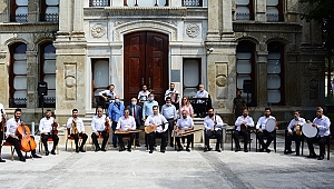 Roman müzisyenler Kocaeli'den geçti