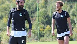Sakaryasporlu 2 futbolcuda 'Covid-19' çıktı