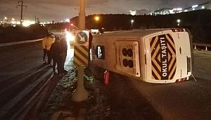 Gebze'de İşçi servis minibüsü devrildi!