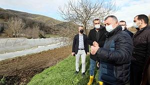 """""""Çiftçimiz rahat olsun,  Büyükşehir Belediyesi yanlarında"""""""