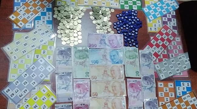 Villada 32 kişi kumar oynarken yakalandı