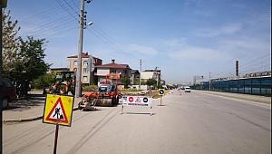 Darıca Çelikoğlu Caddesi'nde asfalt yama çalışması