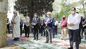 Fatih Sultan Mehmet Han, Vefat Ettiği Tarihi Hünkar Çayırı'nda  Dualarla Yad Edildi