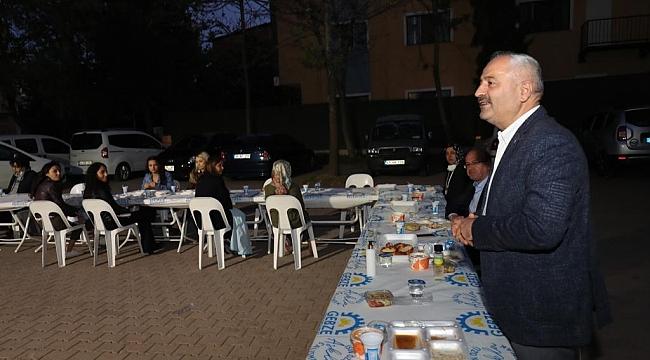 Güler ve Başkan Büyükgöz  sağlıkçılarla birlikte iftar yaptı