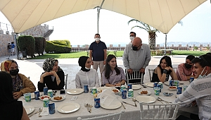 Darıca Belediyesi'nden YKS'ye girecek öğrencilere moral yemeği