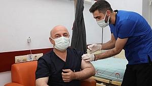 Muzaffer Bıyık aşı oldu