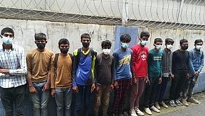 Durdurulan otobüste 11 kaçak göçmen yakalandı