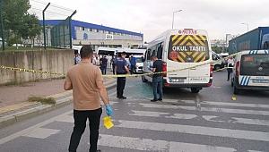 İşçileri taşıyan servis minibüsüne silahlı saldırı: Yaralılar var!