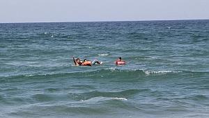 Kandıra'da yüzme yasağına aldırış etmediler!