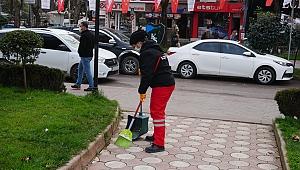 İzmit Belediyesi Temizlik İşleri Müdürlüğü kenti pırıl pırıl yapıyor
