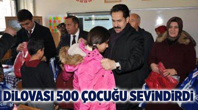 Dilovası'nda AK Kadınlar 500 çocuğu sevindirdi