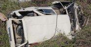 İki araç şarampole yuvarlandı