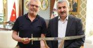 Körfezli Avcılardan Başkan Baran'a kılıç