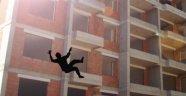 Otel inşaatında feci ölüm
